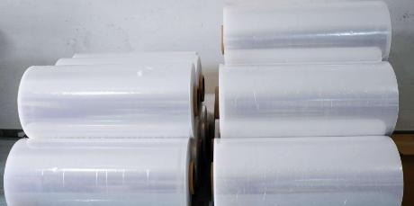 拉伸缠绕膜的普及同时与配套的包装设备发展